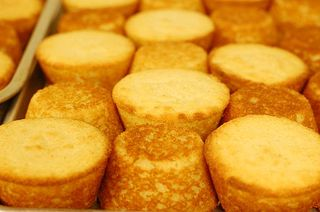 512px-Corn_bread_muffins_1_copy